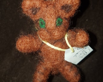 Needle Felted Cat Keyring brown with green eyes kawaii!