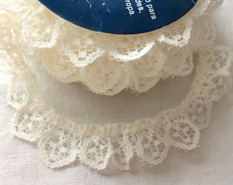"Off White Ruffled Lace Trim 7/8"" wide x 6 yards long Linda by Model Lace"