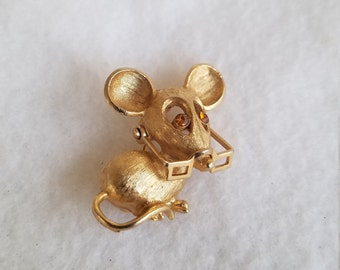 Vintage Avon mouse with glasses brooch