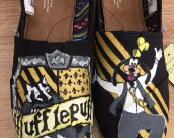 Goofy is team Hufflepuff.  Custom painted shoes for Harry Potter fans.