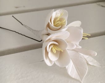 Hairpins with white flowers wedding flower girl summer festival final flowers Freesia in the hair of clay flowers