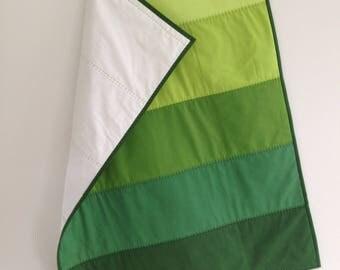 Green Baby Quilt - Green Ombre quilt - Modern Homemade Quilt - Handmade Quilt