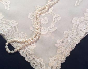 Vintage Wedding Handkerchief, Floral Lace Hankerchief, Off White Hankie, Hanky