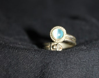 Vintage Moonstone and Sterling Silver Wrap Ring