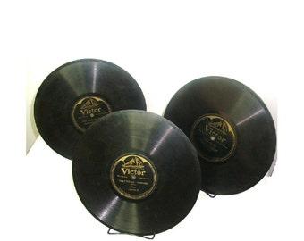 Antique Victor 78 RPM records.  3 records. 2 Hawaiian Records. Hula Medley, Hilo, Wailana Waltz, Cunha Medley. 3rd, Heart Echoes -Pietro