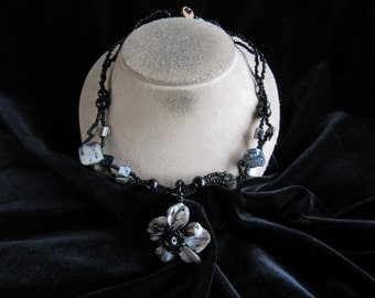 Vintage Chunky Black Glass Beaded & Shell Floral Pendant Necklace