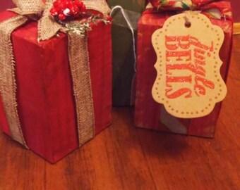 Primitive Distressed Christmas Presents