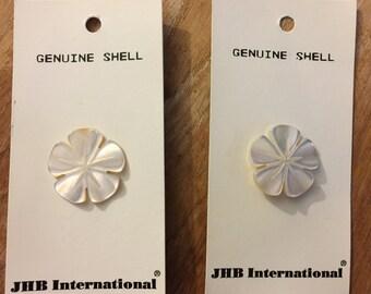 """JHB Shell Flower Buttons  7/8"""" B26"""