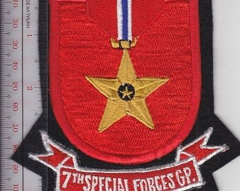 Green Beret US Army 7th Special Forces Group Airborne Flash & Bronze Star Medal