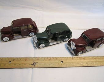Lot Of 3 London Taxi's Metal Collectible Toy Cars