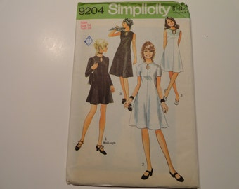 Simplicity Vintage 1971 dress sewing pattern Misses size 14 Bust 36