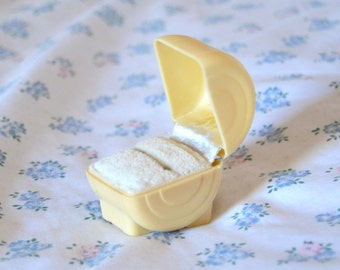 Antique Art Deco Celluloid Cream Ring Presentation Box