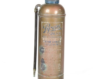 Vtg Pyrene fire extinguisher soda acid copper empty 2.5 gallon metal brass as is