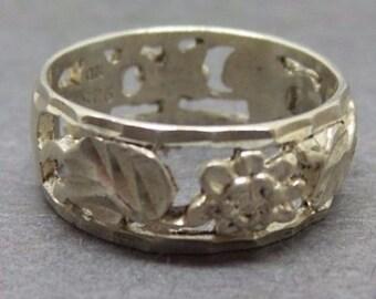 Vintage Sterling Silver 925 Flower Floral Band Ring