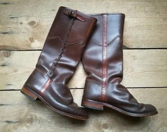 vintage Spanish handcrafted boots Valverde del Camino