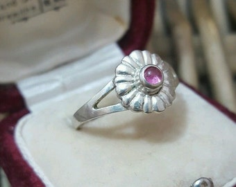 Vintage 925 sterling silver ring, ruby gemstone, size m