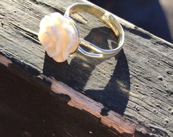 Resin beige rose ring