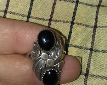 Beautiful Vintage Sterling and Onyx Native American Ring