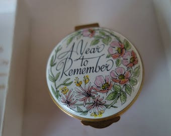 English Enamels by Crummles Pill box A Year to Remember
