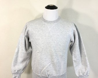 90's champion heather gray V gusset sweatshirt 95/5 cottoe poly blend made in usa size medium