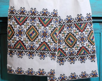 Rushnyk / Towel from Ukraine / Hand embroided rushnyk / old textile/ folk textile
