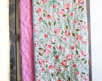 Modern Crib Quilt (Ivie Cloth Co Winter Floral Fabric)