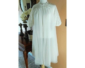 50s Vintage Lace White off Nylon Robe Vanity Fair Vintage Wedding sheer chiffon negligee puffy sleeves size S-L