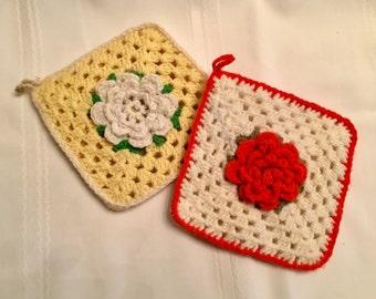 Vintage Crochet Potholders / Double Thickness Potholders / Flower Potholder