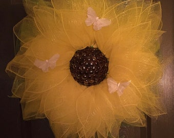 YELLOW DAISY WREATH With 3 Realistic Looking White Butterflies And Glass Accents 30 Inch Diameter