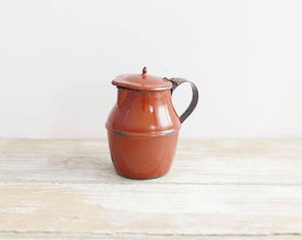 Small vintage red enamel jug from France - Vintage enamel pitcher - French antique burgundy enamel jug -  Country Farmhouse Retro Kitchen