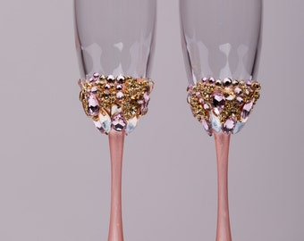 Personalized Wedding glasses blush pink and gold Personalized glasses Champagne flutes set Wedding Toasting glasses blush Flutes set of 2
