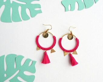 ETNIK fuchsia gold earrings / 11 colours / woven wire embroidery / Pompom / ethnic chic / geometric sleek