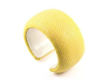 Retro Stingray Cuff Bangle - Sunshine Yellow