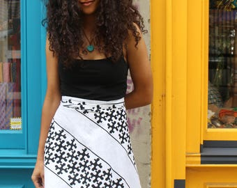African Wrap Skirt Midi - Cherno Wrap - White Black - Wax Print Skirt - Colourful Wrap Skirt - Festival Skirt