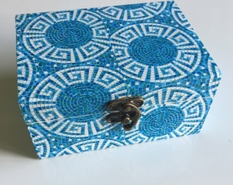 Box 2 compartments of the Greece blue and white color