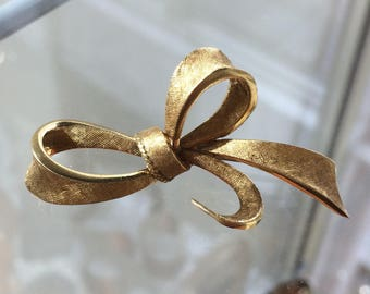 Stunning Vintage 18ct Gold Ribbon Bow Brooch- Textured Finish- 9.3 g