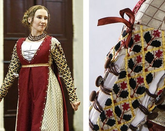 Pre-owned 15th century Renaissance Dress Gown