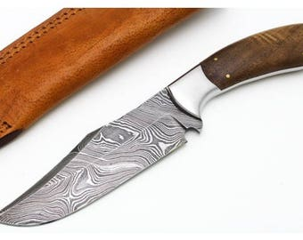 Custom Handmade Damascus Fixed Blade Skinner Hunting Knife with Leather Sheath (Walnut Wood Handle)