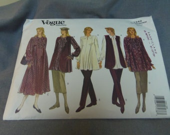 Womens Maternity Dress, Vest, Top, Skirt and Pants, Size 6, 8, 10, Cut Pattern (on 10), Vogue Very Easy 1242
