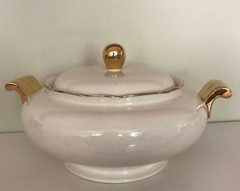 Rare 1950s Villeroy and Boch gold and white soup tureen, soupier