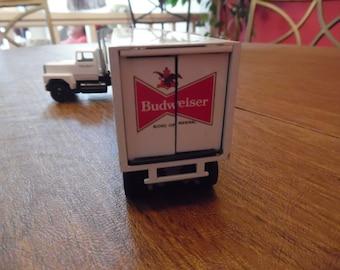 Nice 18 Wheeler Budweiser Beer Truck