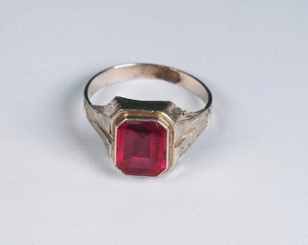 14k White Gold Mens 1920s Red Stone Ring, Size 10