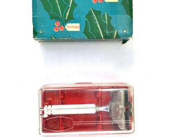Vintage Ever Ready safety razor with travel case and original box