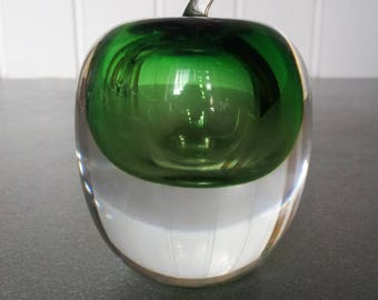 Sweden green art glass apple.Art&Collectibles.1997's