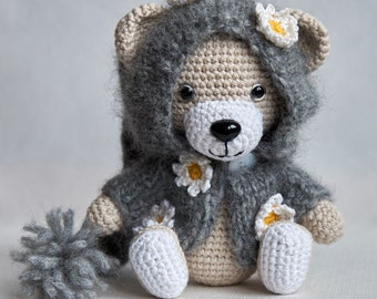 "Dressed up teddy bear ""Laura"""