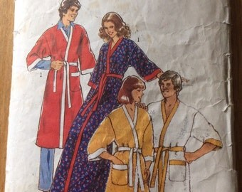Style pattern 1722 - size 34-36 Mens Dressing Gown/Robe - cut