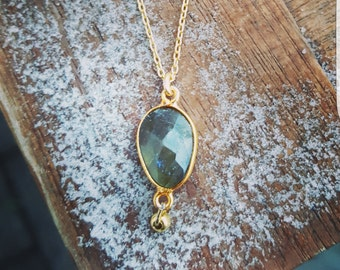 Gold necklace with Labradorite