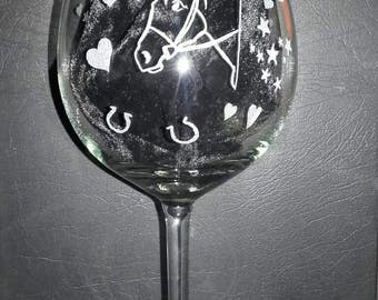 Personlised large wine glass, mum. Horse, love hearts. MOTHER'S DAY GIFT