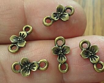set of 20 flower connectors Jewelry Making  Jewelry FINDINGS /U21