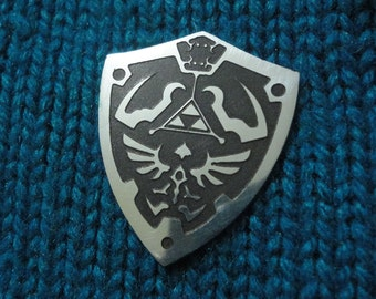 Shield pin badge